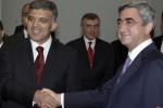 Prezidenti Arménska a Turecka Serž Sarkisian a Abdullah Güll sa prvý raz v dejinách oboch štátov stretli 6. septembra 2009 v Jerevane. Zdroj: http://nimg.sulekha.com / AP Photo.
