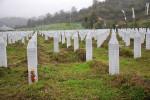 Hroby obetí masakry v Srebrenici. Zdroj: Picasaweb