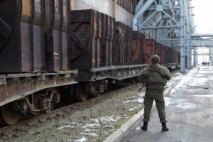 Vojak DNR v juzovských železiarňach. Zdroj: Sergey Averin / Sputnik