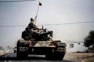 Postupujúci turecký tank. Zdroj: www.military.com