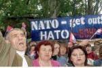 Protesty proti cvičeniam NATO vo Feodosiji na Kryme. Zdroj: BBC.