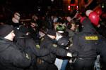 Potlačenie akcie bieloruskej mládeže k sviatku sv. Valentína v Minsku. Zdroj: Charter97.org